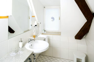 Hotel Münchner Hof Regensburg Doppelzimmer Komfort Bad