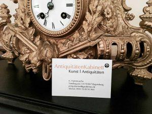 AltstadtQuartier Regensburg Antiquitäten Kabinett alte Uhr